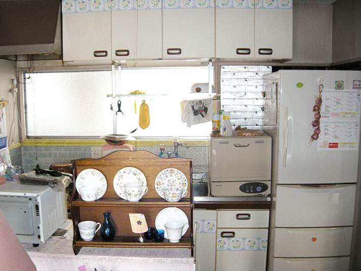 20130116ito-kitchen-before.jpg