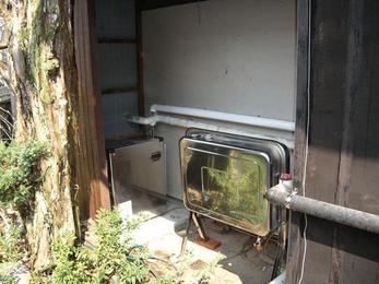 古くなった石油給湯器を新しく。便利になりました。
