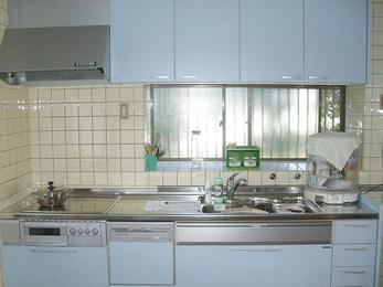 キッチンのみの入替でイメージ一新。