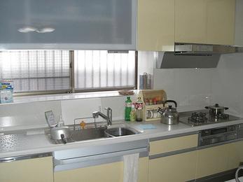 最新機能満載のキッチンの設置で作業効率大幅アップ。