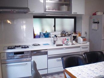 とにかく明るいキッチンに。ご要望通りの空間へ。