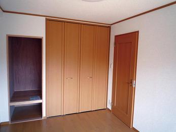 ベッドが置きやすい様に和室を洋室へ。
