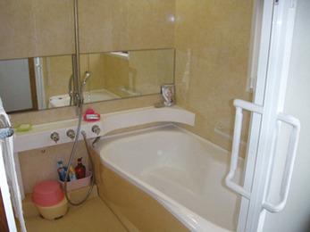 足を伸ばしてお風呂に入りたい!施主様ご希望通りのお風呂に。