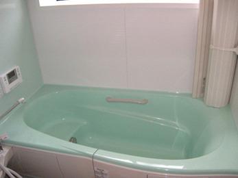 タイル割れがきっかけで以前より暖かいお風呂に。