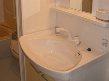 シングルレバーシャワー水栓で便利度アップ。