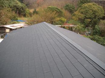 カラーベスト屋根全面葺き替えで不安払拭。