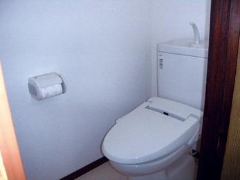 売家に出すのがきっかけ。清潔感溢れる空間に。