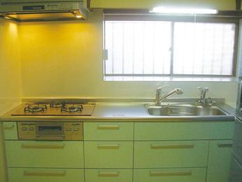 機能的で便利。お掃除も楽なキッチンに。