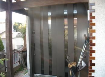 最新機能搭載のドア。タッチキーで施解錠もラクラク。