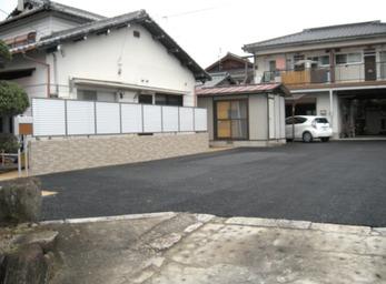 倉庫があった場所を 広い駐車場へ。