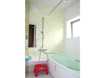 寒かったタイルのお風呂を快適にくつろげる空間へ。